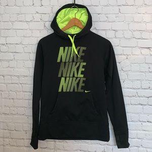 like new nike hoodie🖤